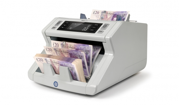 Counts up to 1,000 banknotes per minute