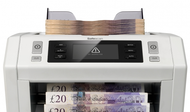 Visual and audio alarm when suspected counterfeit banknote has been detected