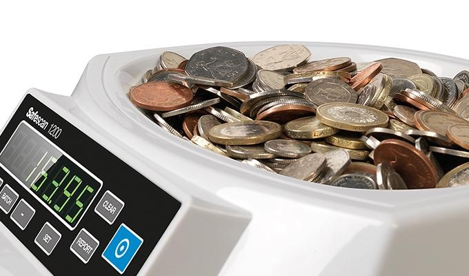 Hopper capacity of 300-550 coins