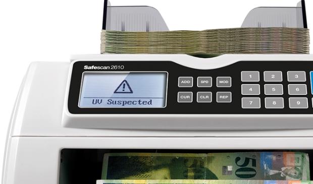 Akustisches und visuelles Alarmsignal, wenn eine mutmaßlich gefälschte Banknote erkannt wird