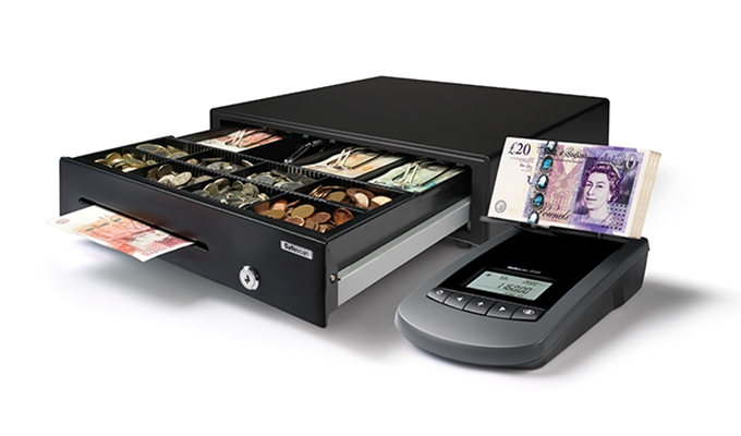 Counts all coins and banknotes from your cash register within 2 minutes